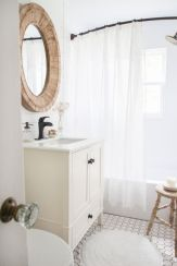 Farmhouse bathroom ideas for small space (10)