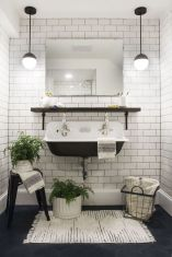 Farmhouse bathroom ideas for small space (15)