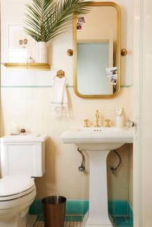 Farmhouse bathroom ideas for small space (19)