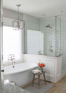 Farmhouse bathroom ideas for small space (32)