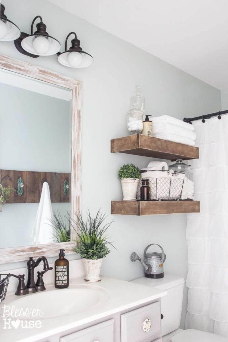 Farmhouse bathroom ideas for small space (40)