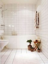 Farmhouse bathroom ideas for small space (41)