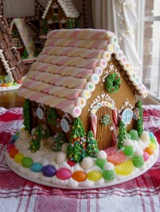 Fun and cute colorful christmas decoration ideas 40