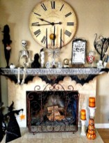 Great halloween mantel decorating ideas 16