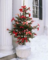 Ideas how to make comfortable rustic outdoor christmas décoration 03