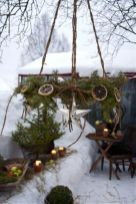 Ideas how to make comfortable rustic outdoor christmas décoration 04