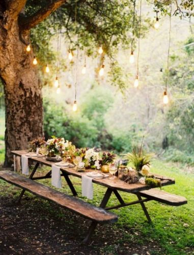 Ideas how to make comfortable rustic outdoor christmas décoration 07