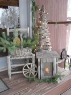 Ideas how to make comfortable rustic outdoor christmas décoration 11