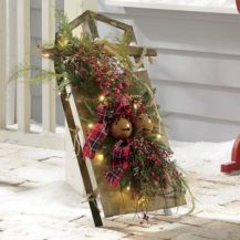 Ideas how to make comfortable rustic outdoor christmas décoration 41