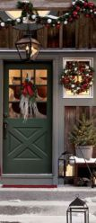 Ideas how to make comfortable rustic outdoor christmas décoration 51