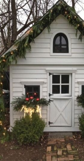 Ideas how to make comfortable rustic outdoor christmas décoration 56