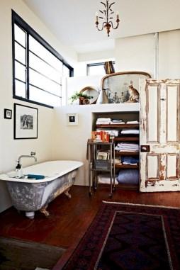 Industrial vintage bathroom ideas (34)