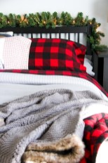 Inspiring christmas bedroom décoration ideas 25