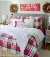 Inspiring christmas bedroom décoration ideas 39
