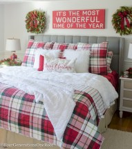 Inspiring christmas bedroom décoration ideas 39
