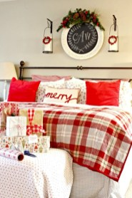 Inspiring christmas bedroom décoration ideas 46