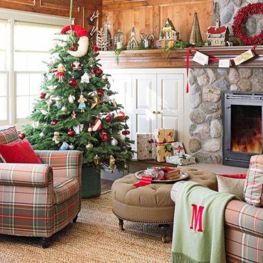Inspiring christmas decoration ideas using plaid 39