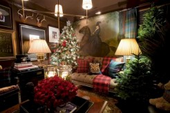 Inspiring christmas decorations ideas with traditional touch 12