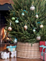 Inspiring christmas decorations ideas with traditional touch 34