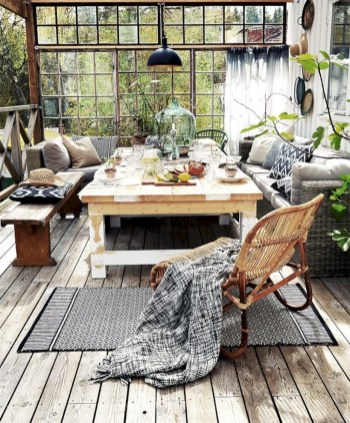 Lovely patio outdoor space ideas on a minimum budget (47)