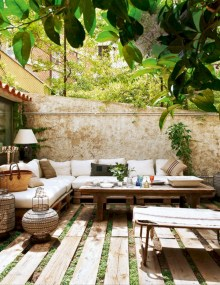 Lovely patio outdoor space ideas on a minimum budget (8)