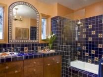 Mediterranean themed bathroom designs ideas 07