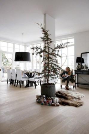 Minimalist and modern christmas tree décoration ideas 13