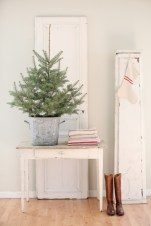 Minimalist and modern christmas tree décoration ideas 37