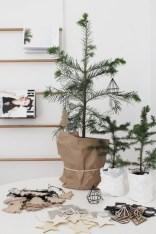 Minimalist and modern christmas tree décoration ideas 45