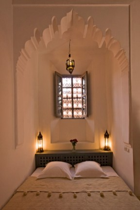 Moroccan themed bedroom design ideas 37