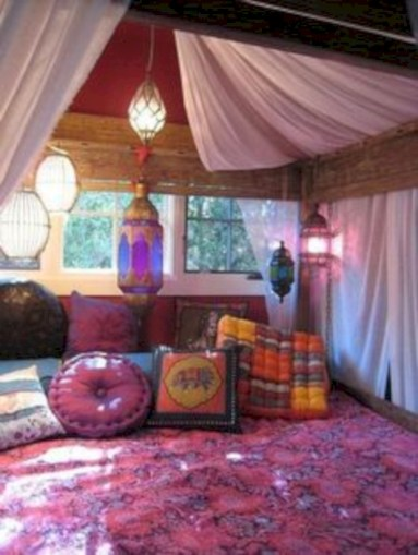 Moroccan themed bedroom design ideas 42