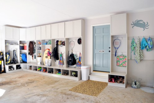 Neat and well-organized garage home decor ideas (26)
