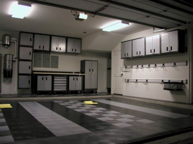 Neat and well-organized garage home decor ideas (3)