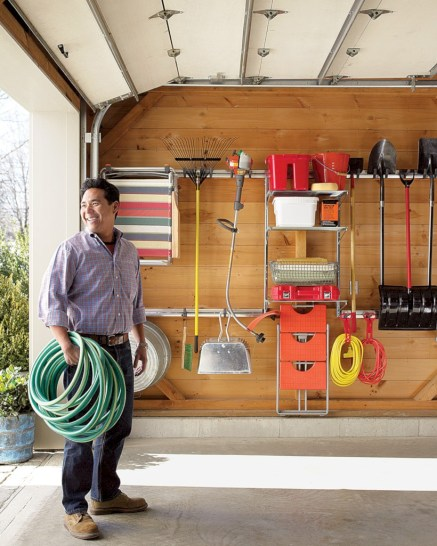 Neat and well-organized garage home decor ideas (42)