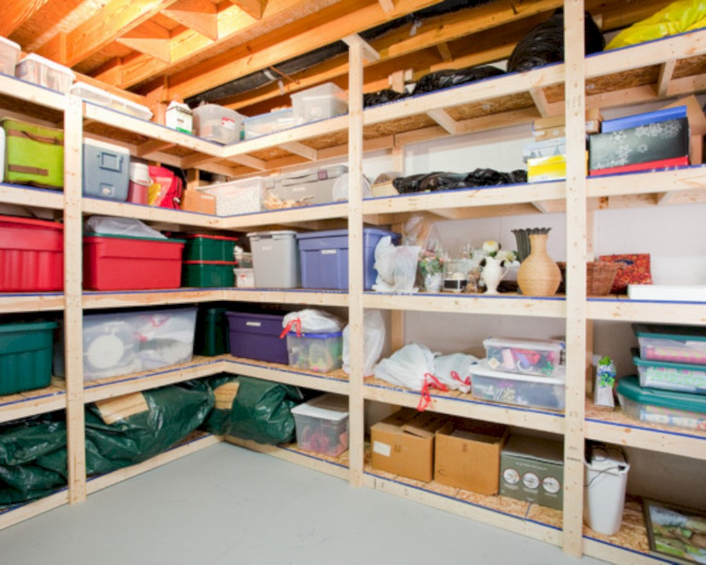 Neat And Well Organized Garage Home Decor Ideas (6)