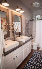 Rustic farmhouse bathroom ideas you will love (33)