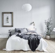 Scandinavian bedroom ideas for small apartment 10