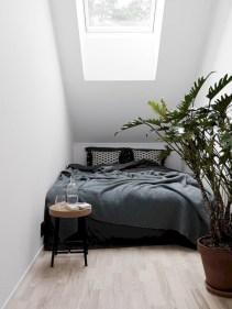 Scandinavian bedroom ideas for small apartment 42