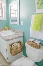 Simple bathroom ideas for small apartment 17