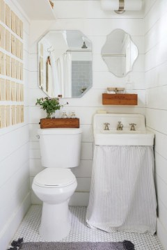 Simple bathroom ideas for small apartment 20