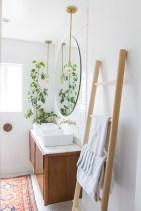 Simple bathroom ideas for small apartment 37