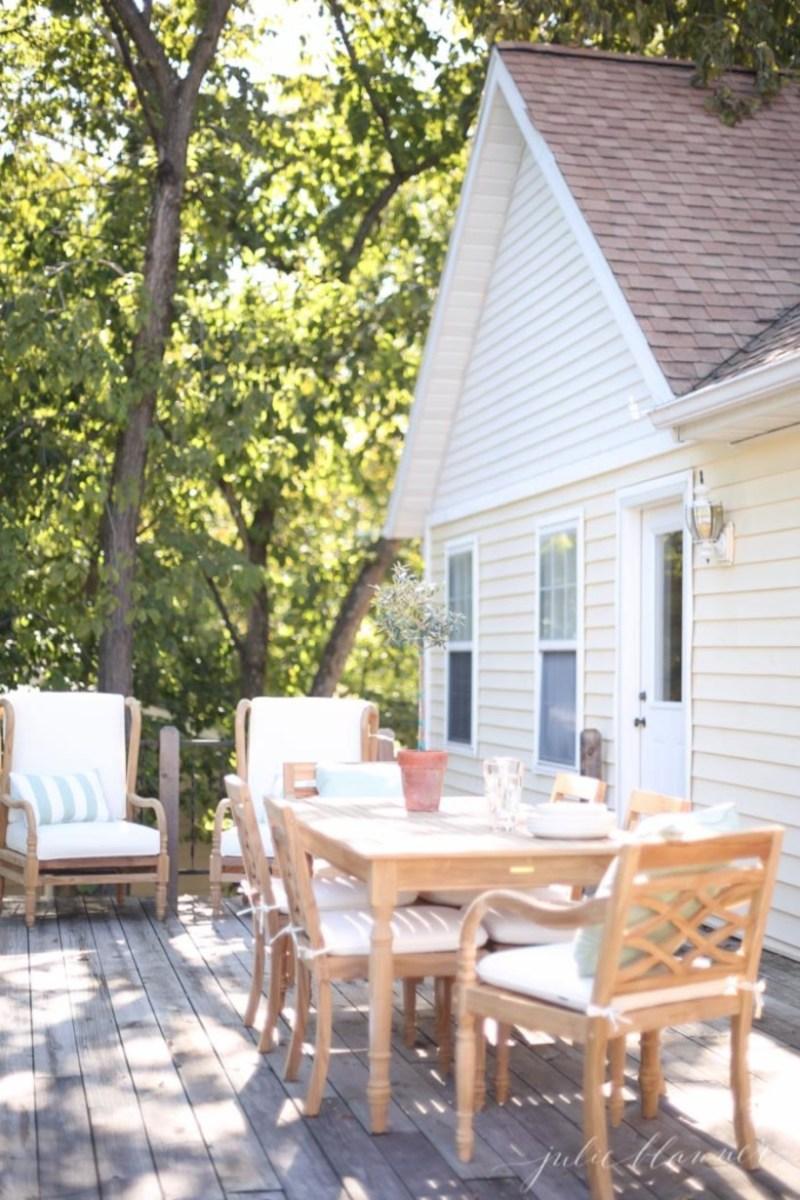 Simple patio decor ideas on a budget (34)