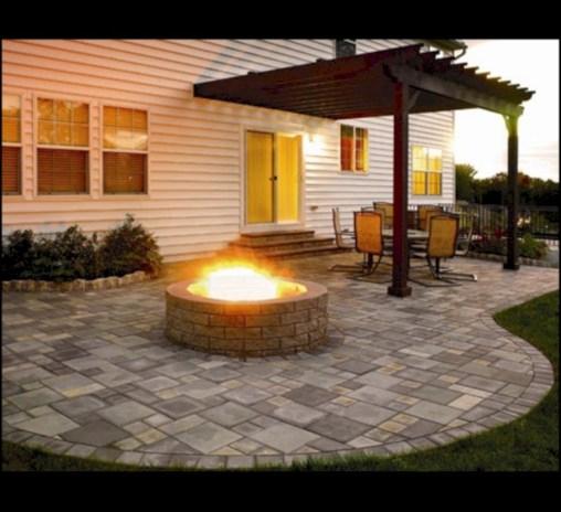 Simple patio decor ideas on a budget (49)