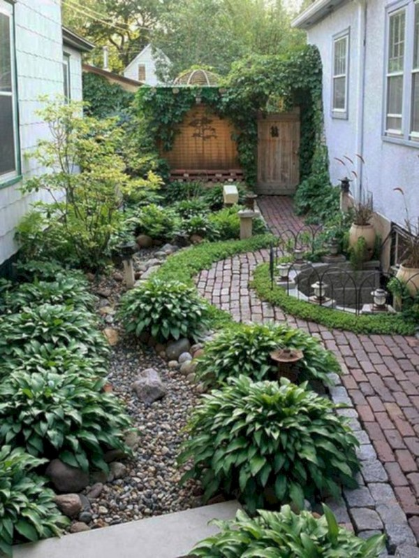 Simple patio decor ideas on a budget (54)