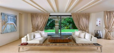 Stylish bedrooms with floor to ceiling windows 22