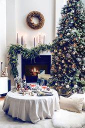 Stylish christmas decoration ideas using sleigh 11 11