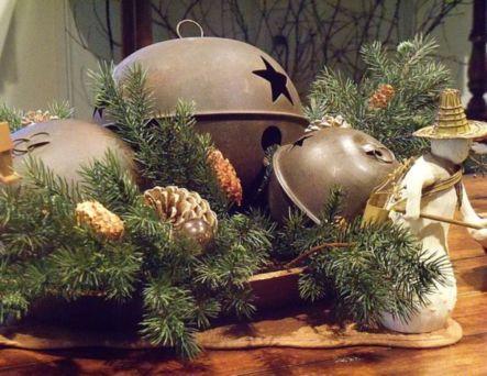 Stylish christmas decoration ideas using sleigh 34 34