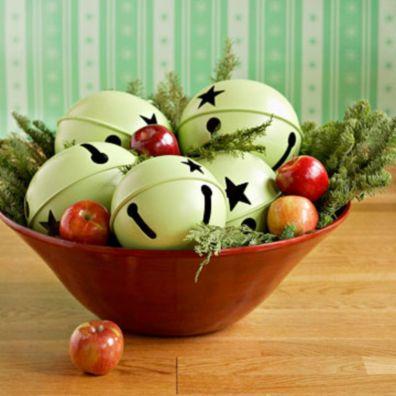 Stylish christmas decoration ideas using sleigh 40 40