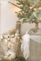 Stylish christmas decoration ideas using sleigh 43 43