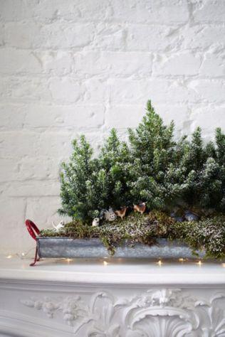 Stylish christmas decoration ideas using sleigh 9 9